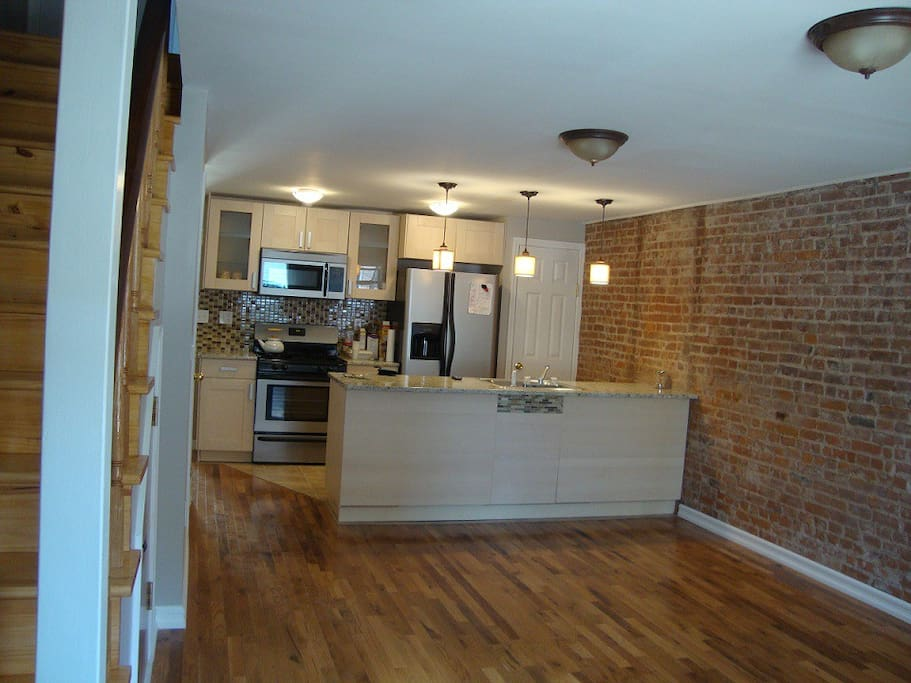 Fantastic room with private bathroom close nyc houses for rent in jersey city new jersey for Rooms for rent in nyc with private bathroom