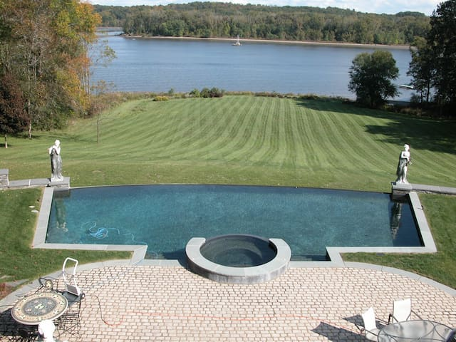 31 acre  Hudson River estate with infinity pool - Coxsackie - Villa