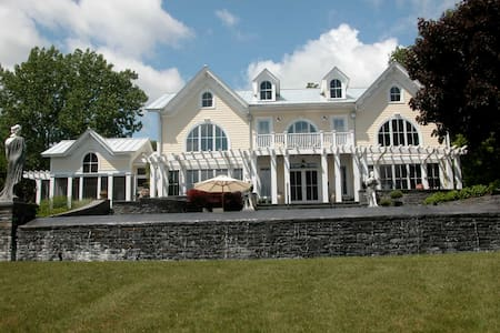 31 acre  Hudson River estate with infinity pool - Coxsackie - Villa - 1