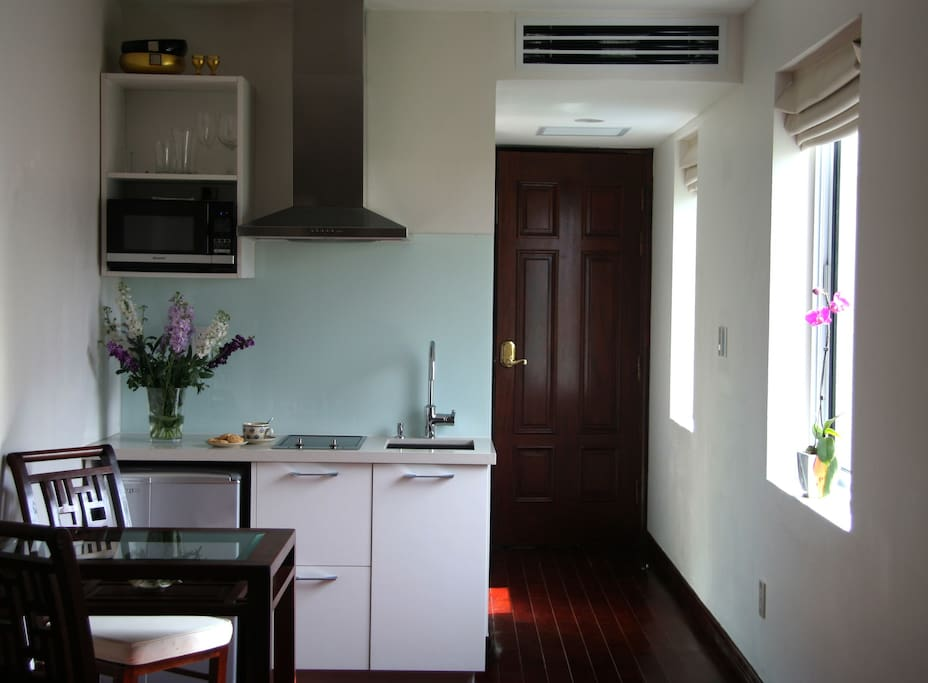 Private Apartment with Kitchenette