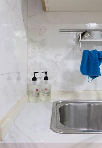 全景广州塔/CBD/珠江夜景/豪华大浴缸/广交会/小区泳池/高端住宅/4居