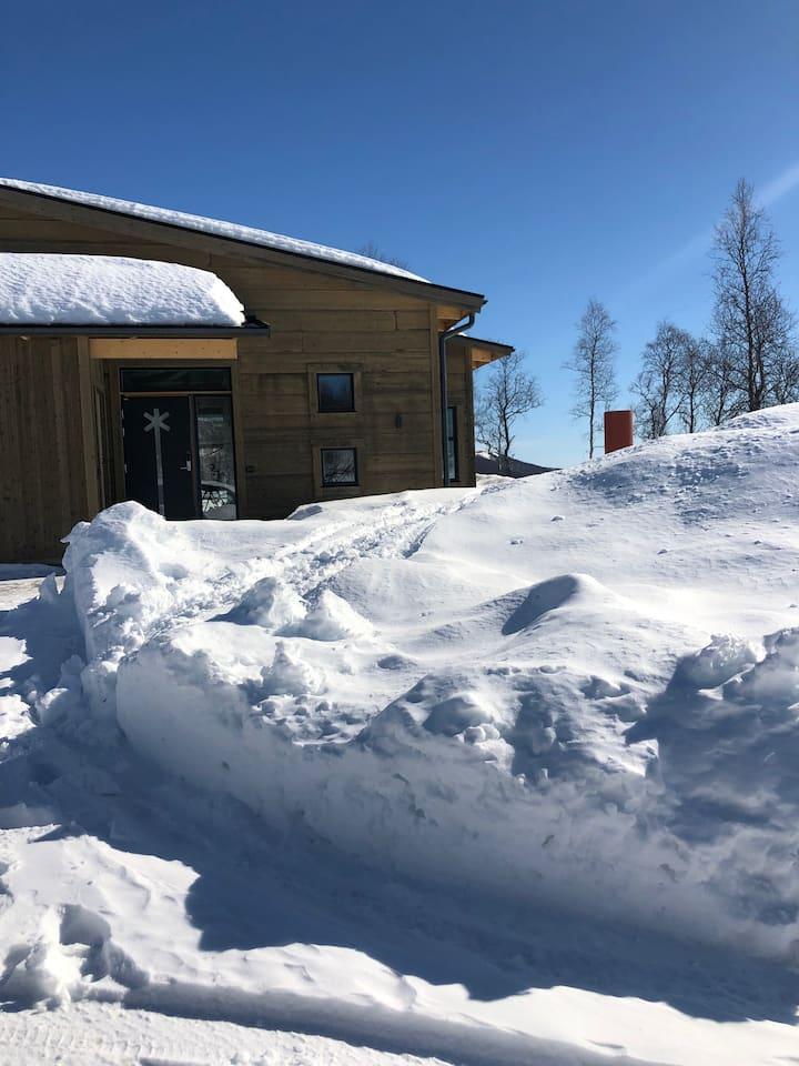 Nyproducerad stuga i Hemavan ski in/out