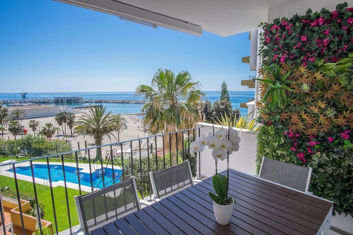 Breathtaking ocean view apartment central Marbella