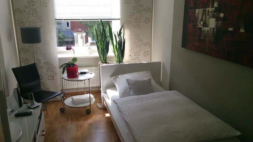 DANS LE CENTRE VILLE, Appartement m - Hambourg - Bed & Breakfast