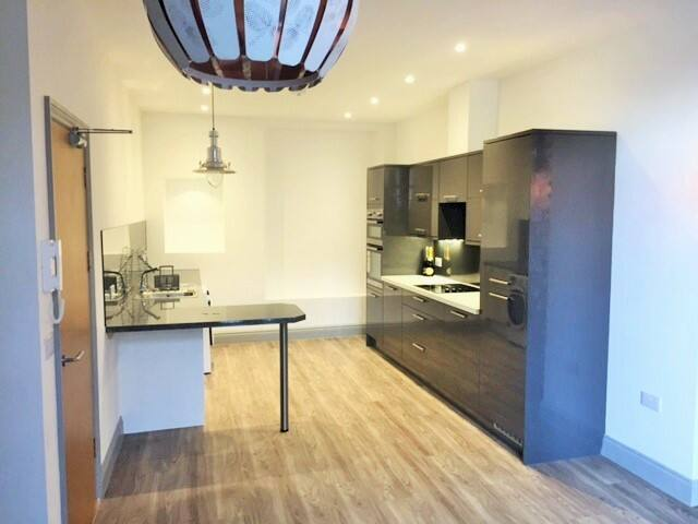 1 Bed Modern Apartment, close to City Centre