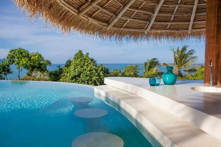 Possibly the sexiest Seaview Villa! With Maid Serv