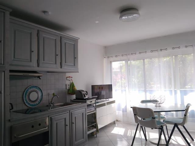 Appartement lumineux en bord de mer - Fréjus
