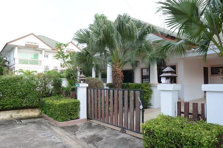 3 Bd pool gated south Pattaya beach
