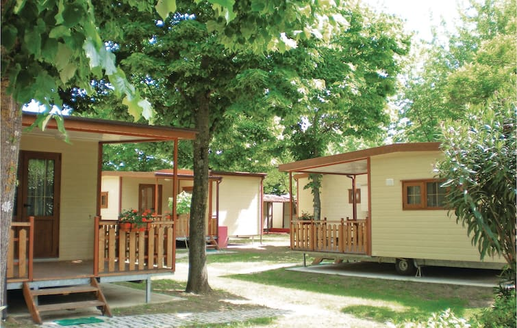 Mobil home with 2 bedrooms on 32 m² in Bolsena -VT-