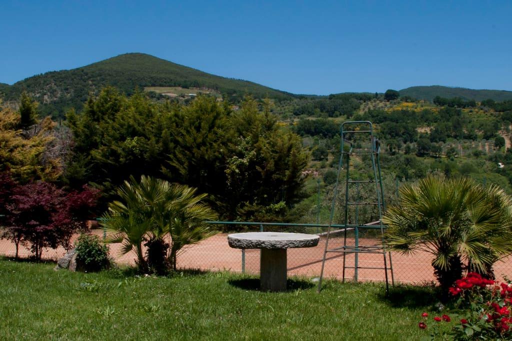 Villa, tennis & pool countryside