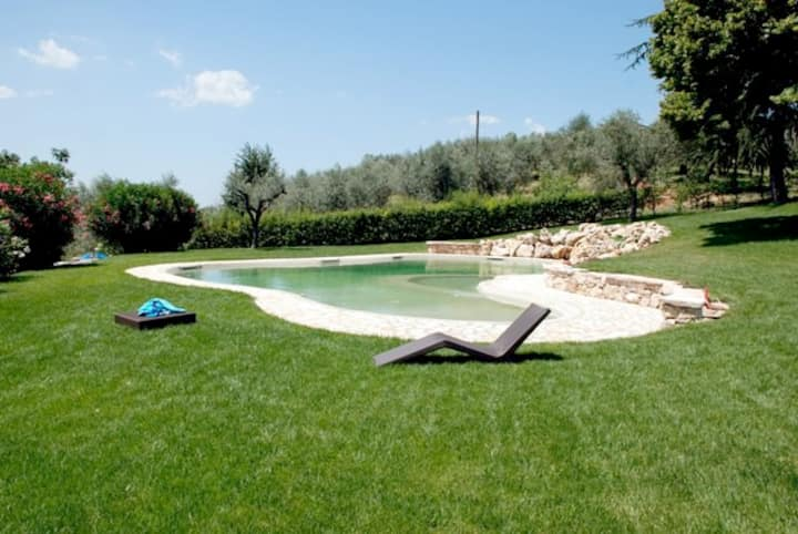 Villa, tennis & pool countryside
