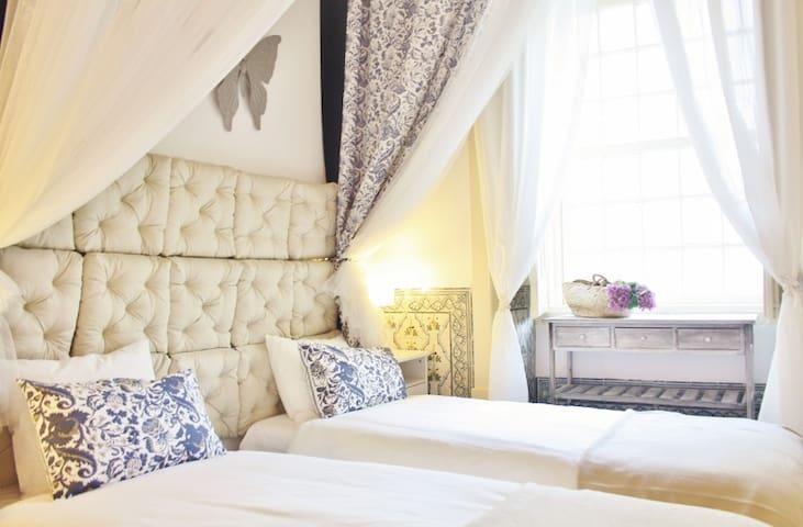 XVIII cent. style, cozy apartment