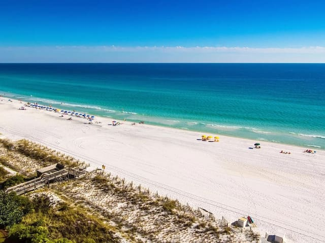 Private Bed & Bath 15 minutes from Destin Beaches!