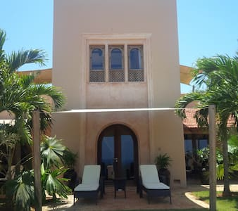 Golf Villa - 1 bedroom - 2 minutes walk to club - Mombasa