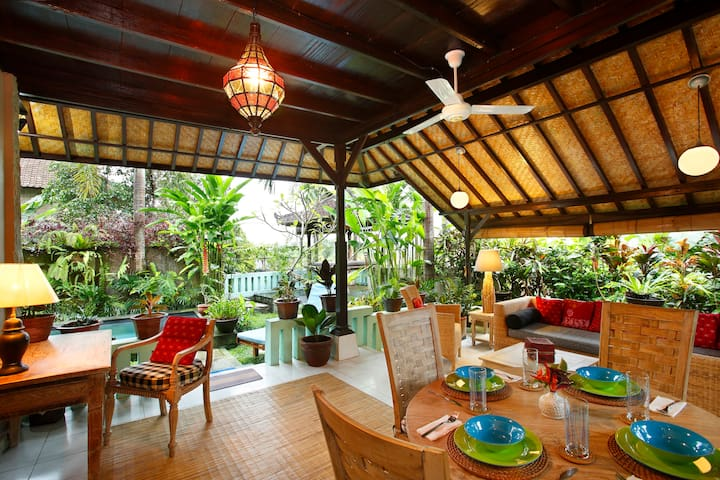 Hy House/Ubud/2 Bed/Pool/Best Breakfast in Bali!