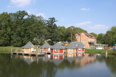 Floating Cabin  in Thuringia 1 - Eberstedt