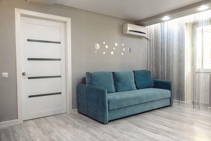 2-комнатная квартира-студия в центре г. Шахты