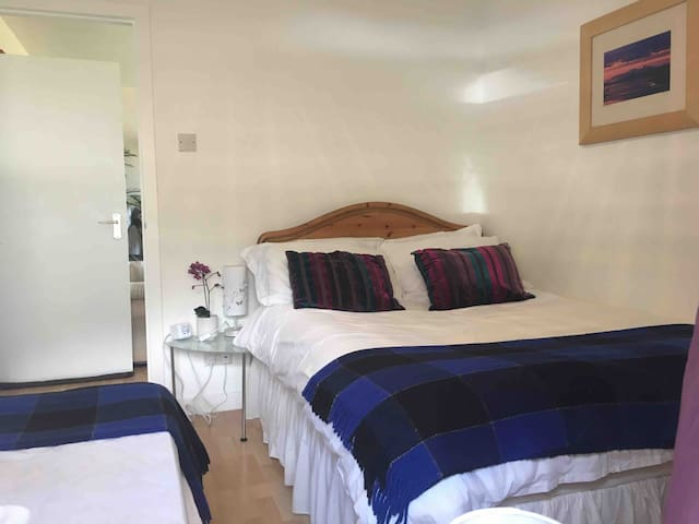 2nd bedroom, double bed