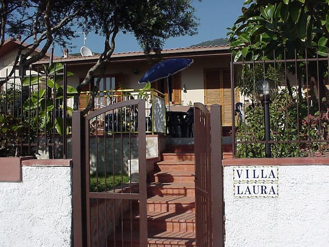 Amazing Villa Laura in Praia a Mare - Praia A Mare - House