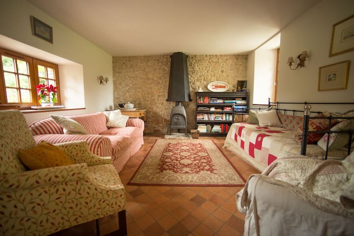 Rose Cottage - Ideal for visiting D Day Beaches