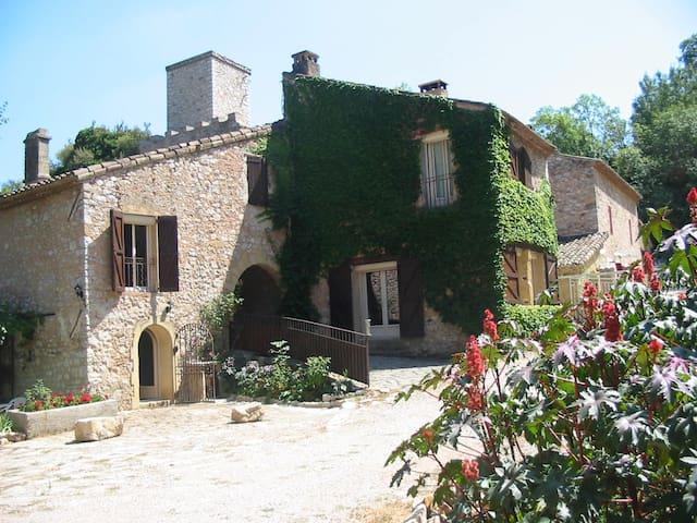 "The ""Moulin des Rocs"" welcomes you - Rians - Casa"
