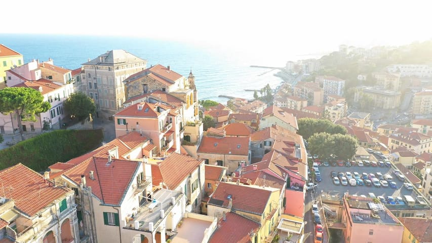 Stunning Penthouse in Historic Centre of Imperia