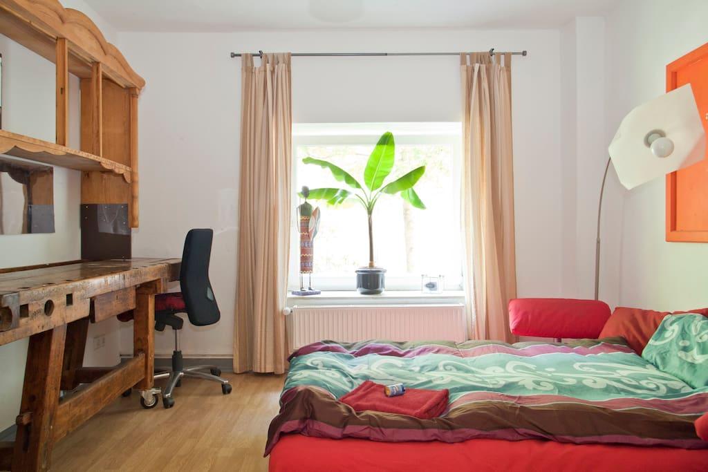 bett by night im bunten linden nord wohnungen zur miete in hannover niedersachsen deutschland. Black Bedroom Furniture Sets. Home Design Ideas