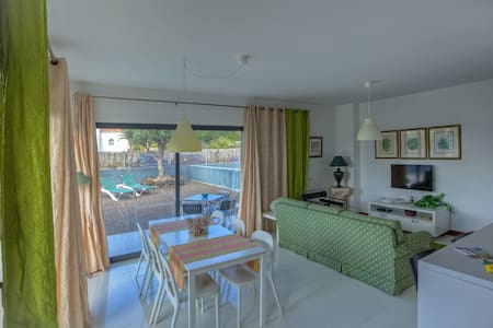 Two-bedroom Summer Villa - Unit B - Campo de Baixo