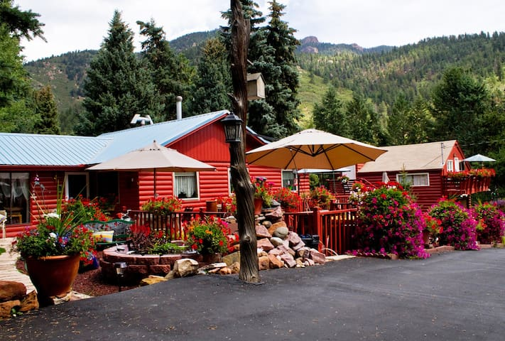 Mountain Retreat - Colorado Springs - Skáli