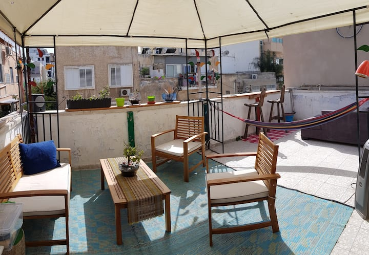 Rooftop loft , 3 minutes walk from the beach