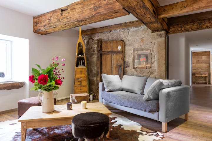 Farm renovated with taste-boldness - La Bresse - House