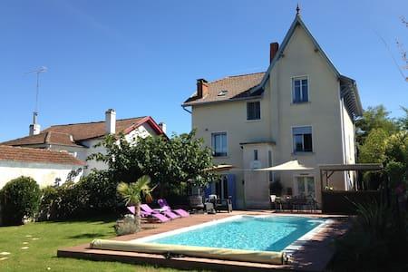 Maison 1920 - Piscine - Walibi - Casa