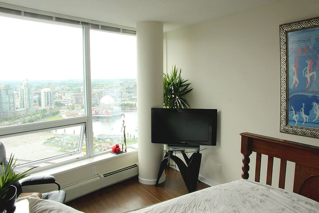 Your bedroom - Spacious, comfortable and a killer view!