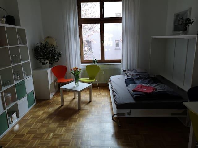 Zimmer in Altbauwohnung nahe Bochumer Innenstadt