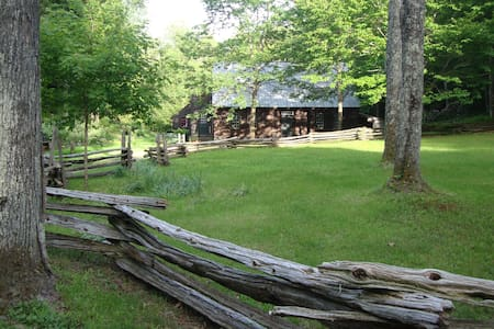 Mt Mansfield Homestead in Stowe - Σπίτι
