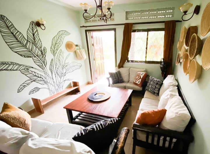 Topaz House — Quiet, Cozy & Clean in Jinja Town