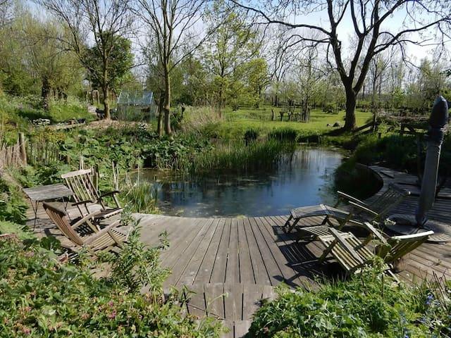 Sfeervolle zeventiende- eeuwse woonboerderij - Schipluiden - 一軒家
