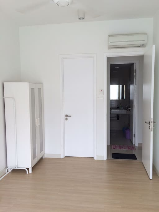 Master Bedroom with Air Cond