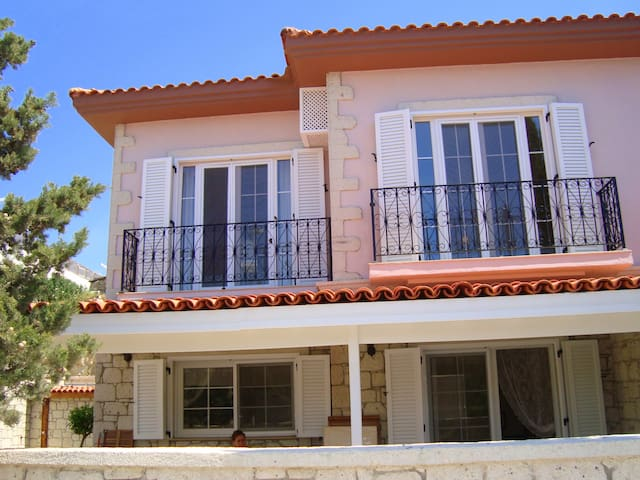 Quaint House in Alacati - Çeşme - Rumah