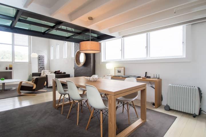 Designer Warehouse Apartment Sydney (walk to city)