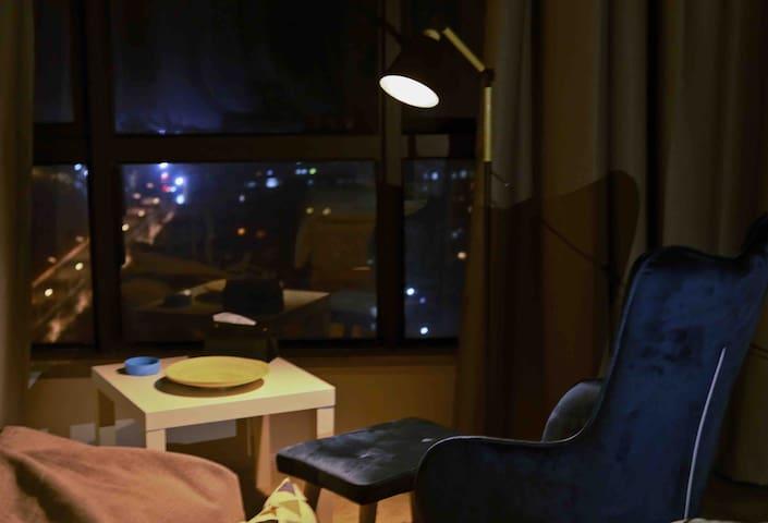 2沈家门东港市区海景公寓民宿  朱家尖、去东极普陀山码头皆快速到达  附近有大型商场和广场