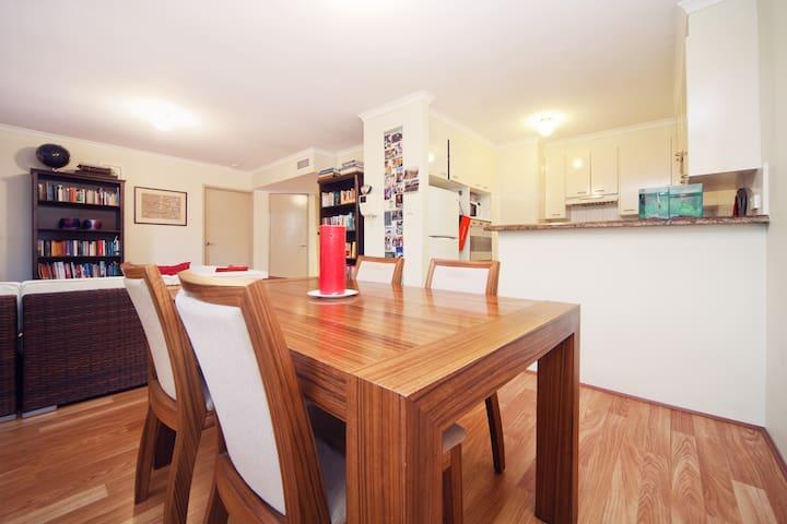 Great, modern Sydney Apartment - Balmain - Pis