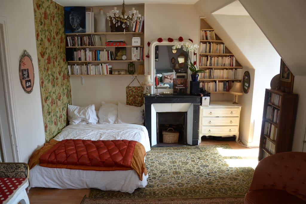 le coin chambre / the bedroom