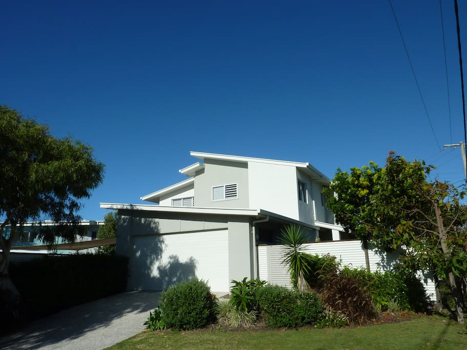 Modern family home well positioned to enjoy all of the Sunshine Coast.