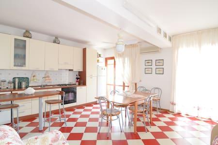 Holiday house Red Viriola Taormina - Летоянни