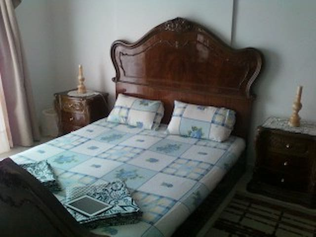 Cozy 2 BD with Parking Included - Cairo - Apartment