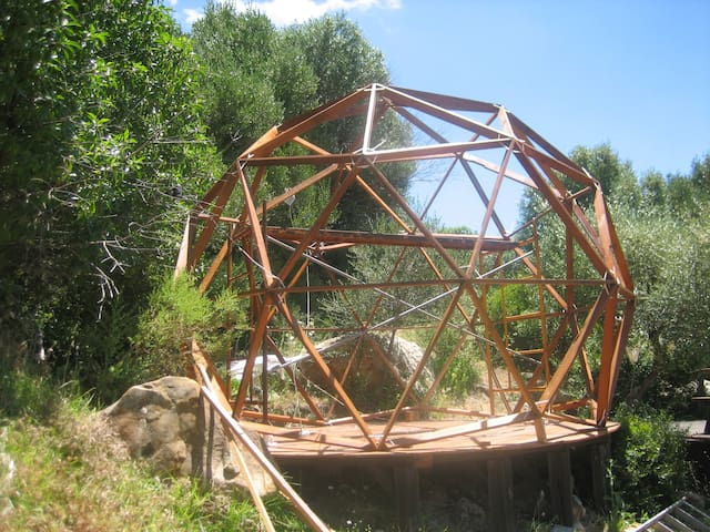 #06 GEODESIC DOME AND COSY SPACE IN NATURE