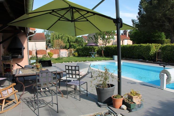 maison et  piscine jardin ping pong - Escalquens - Huis