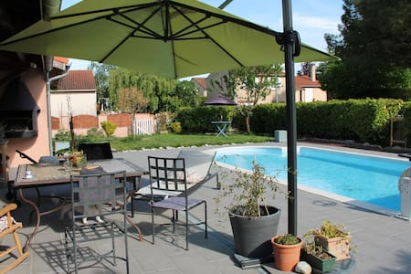maison et  piscine jardin ping pong - Escalquens - Hus