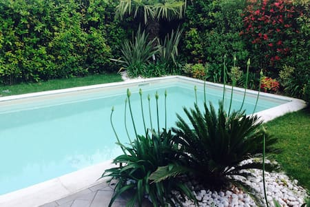 Villa with pool - デセンツァーノ·デル·ガルダ